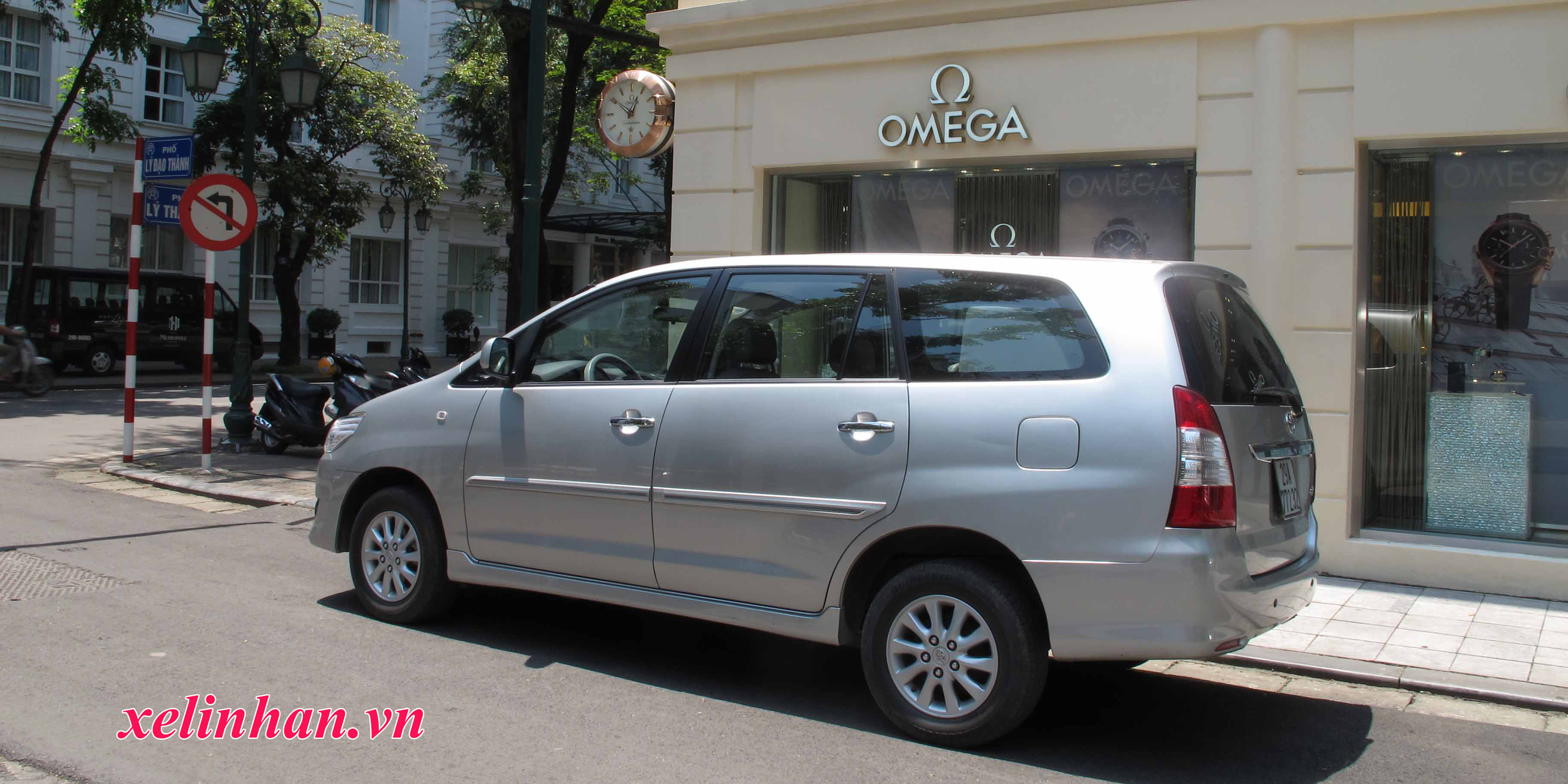 Xe 7 chỗ - Toyota Innova